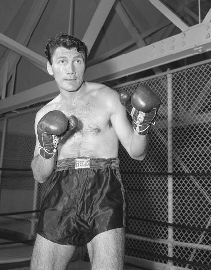 Знаменитости с боксерским прошлым