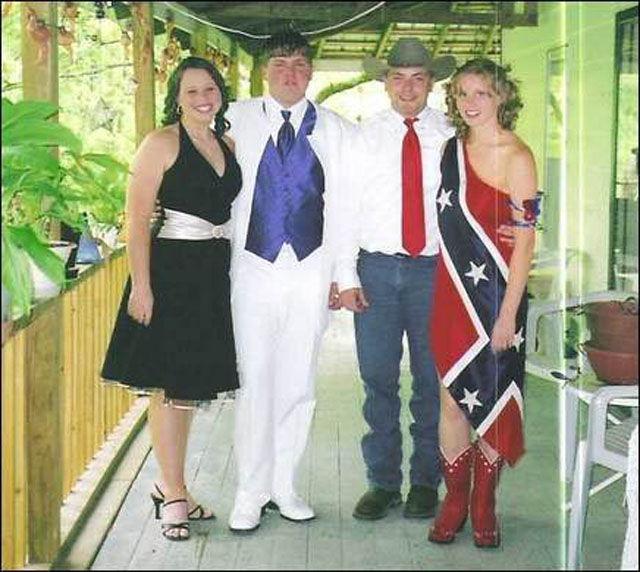 Странные фотографии с выпускных в США