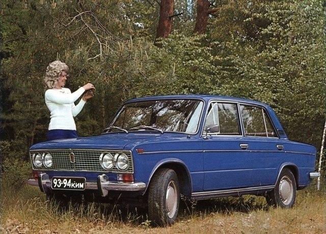 Подборка рекламных фотографий советского автопрома