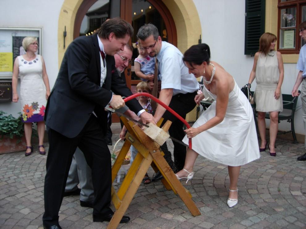 25 странных свадебных традиций
