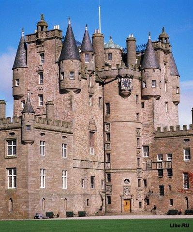 Самые знаменитые замки с приведениями